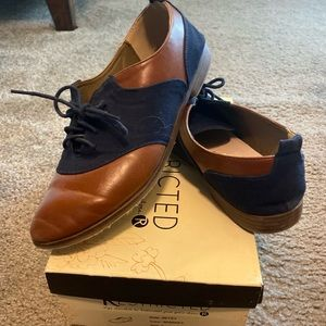 Restricted Betsy Oxford Shoe Size 9